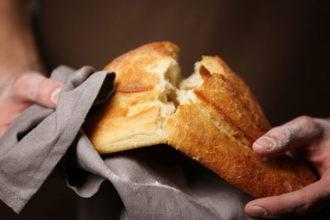 trucos para que el pan siga como recien hecho