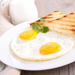 trucos para hacer huevos en microondas